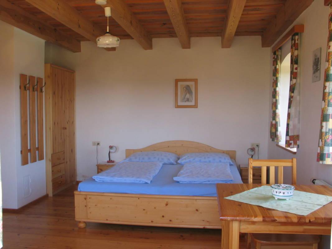 Zimmer mit übergroße Doppelbetten