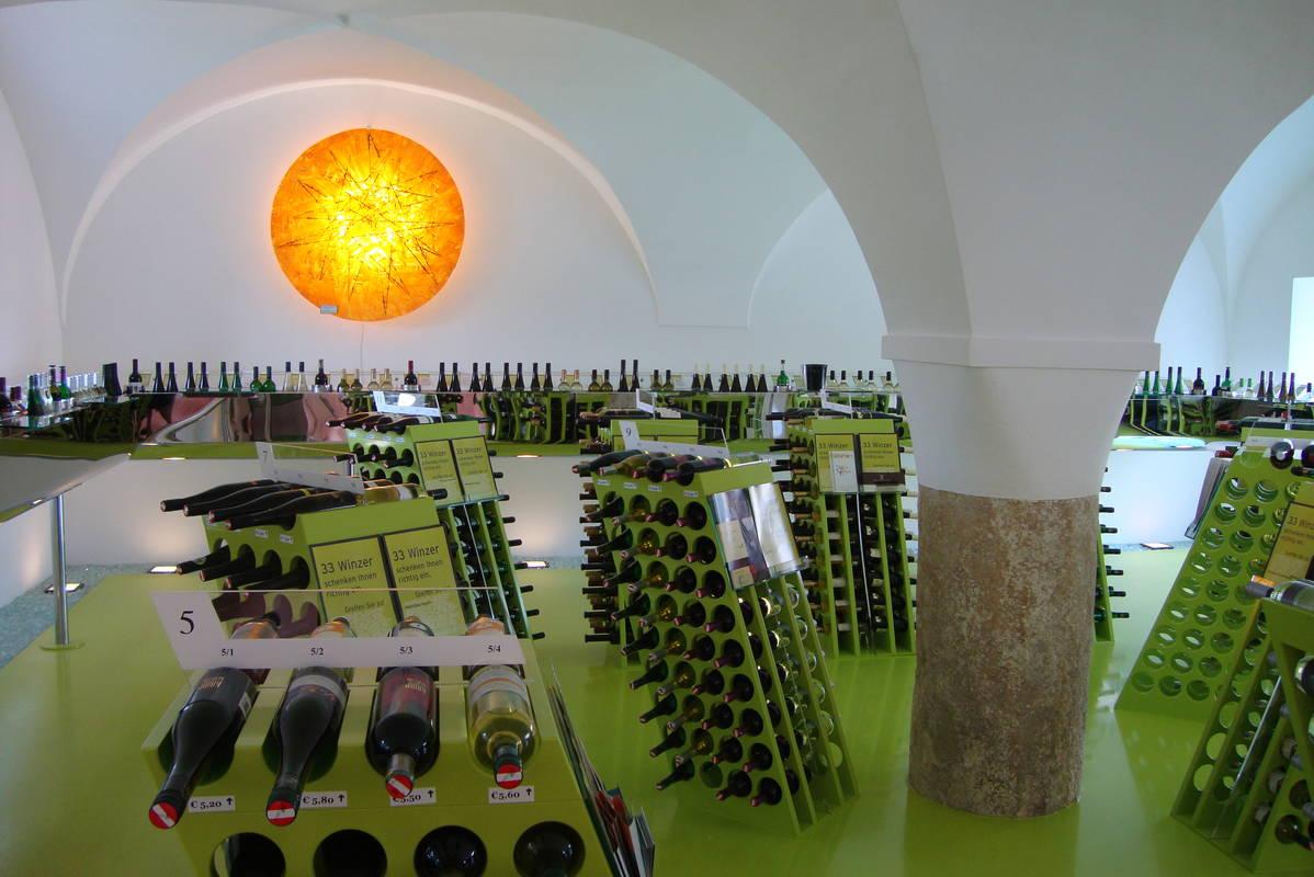 Weinpräsentation im alten Gewölbe