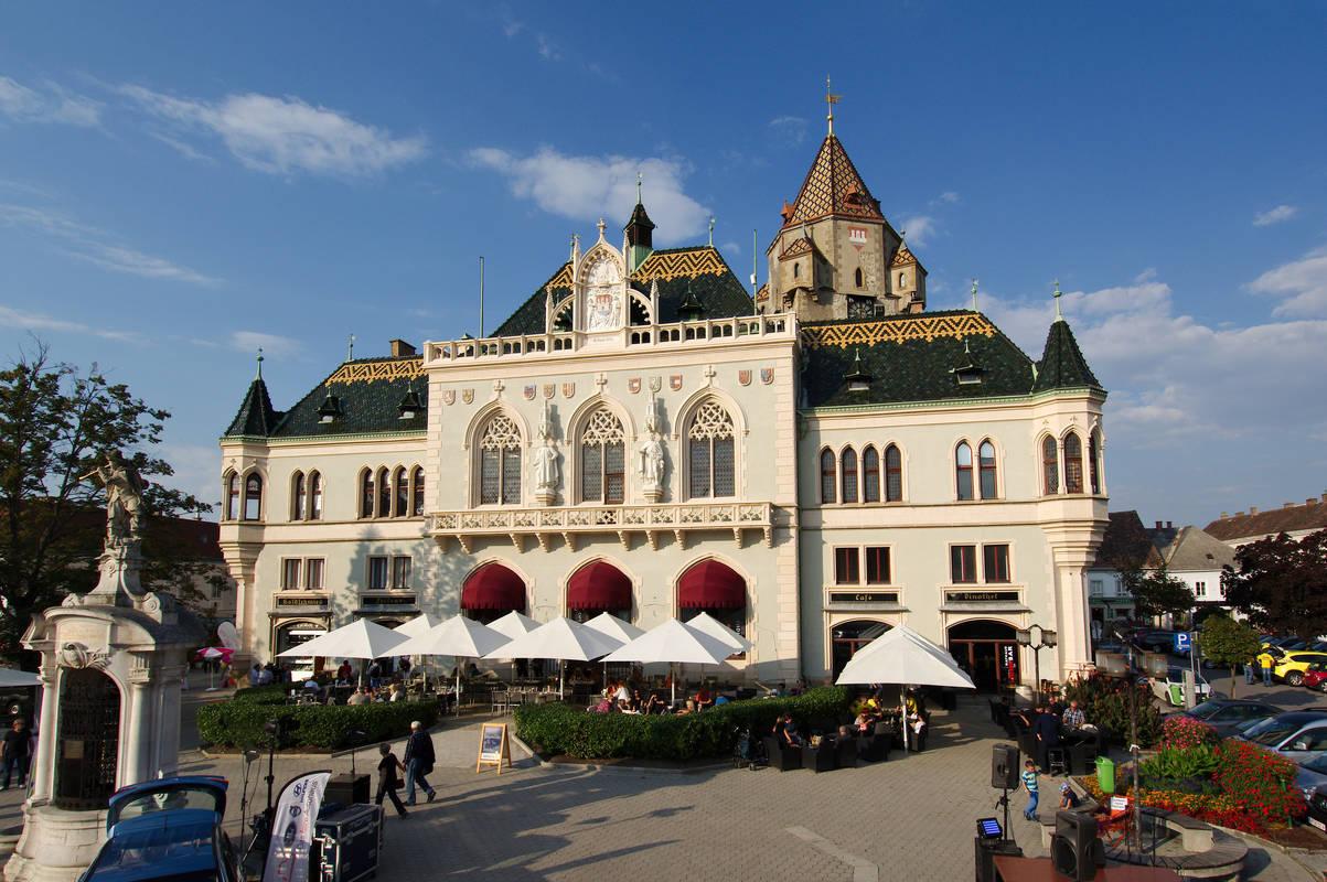 Vorderansicht Rathaus Korneuburg