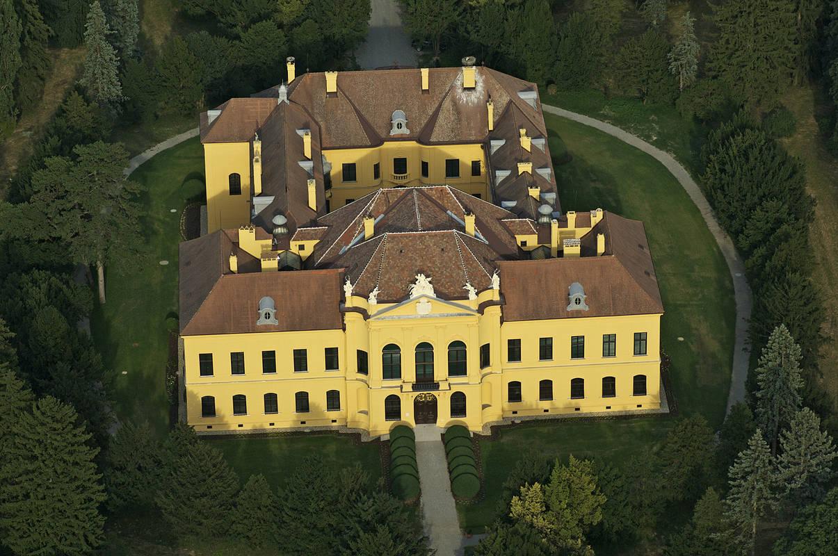 Schloss Eckartsau Luftbild 2010