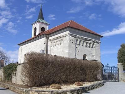 Einzigartige romanische Kirche