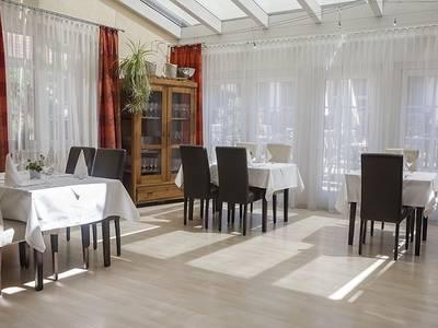 Salon und Wintergarten für ihre feierlichen Anlässe
