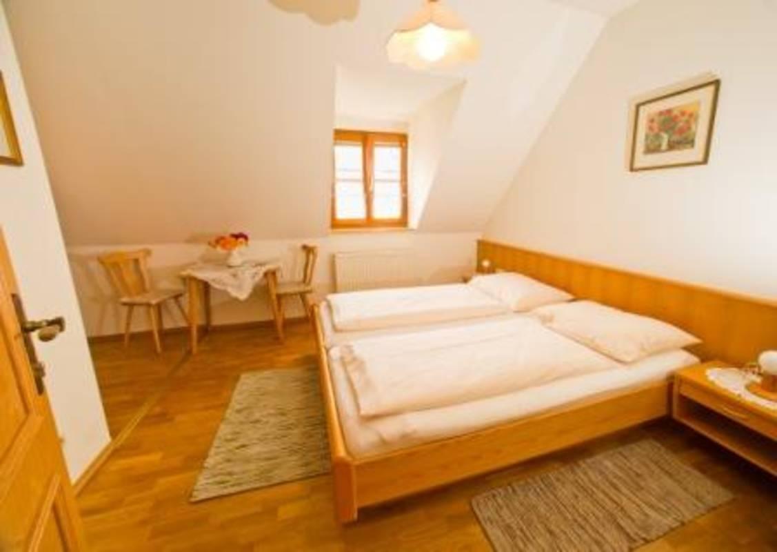 Zimmer Dinstlhof