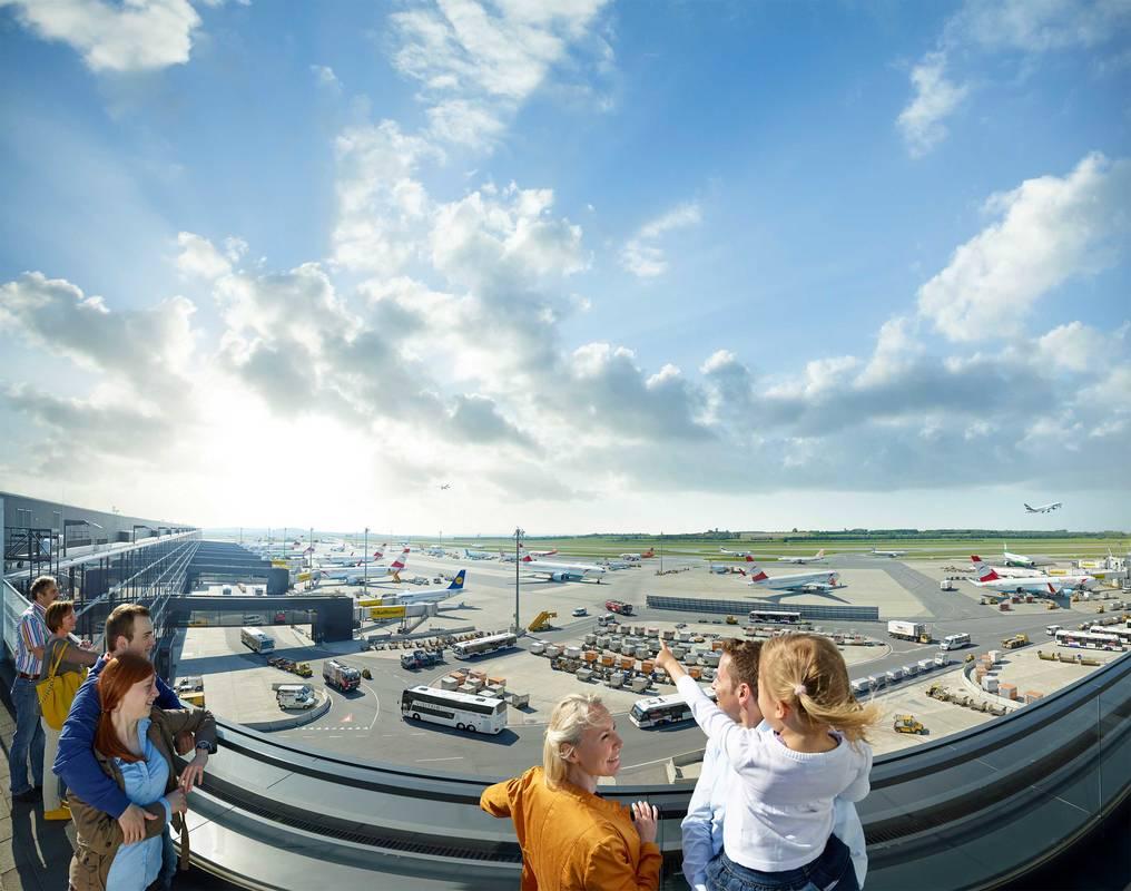 Besucherterrasse am Flughafen Wien
