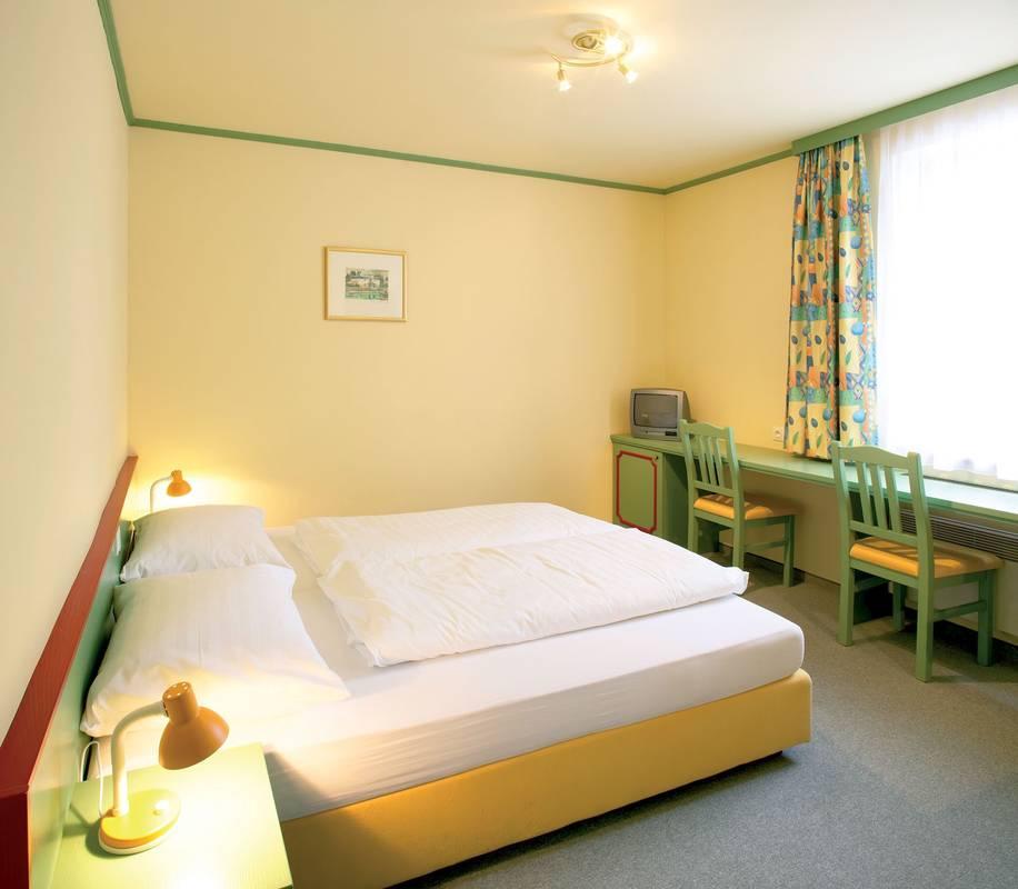 Zimmer-Schloß Haindorf