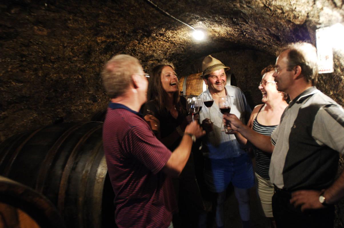 Weinkost, Prellenkirchner Kellergasse