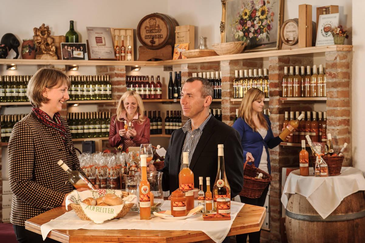 apricot tasting at the vintner Aufreiter