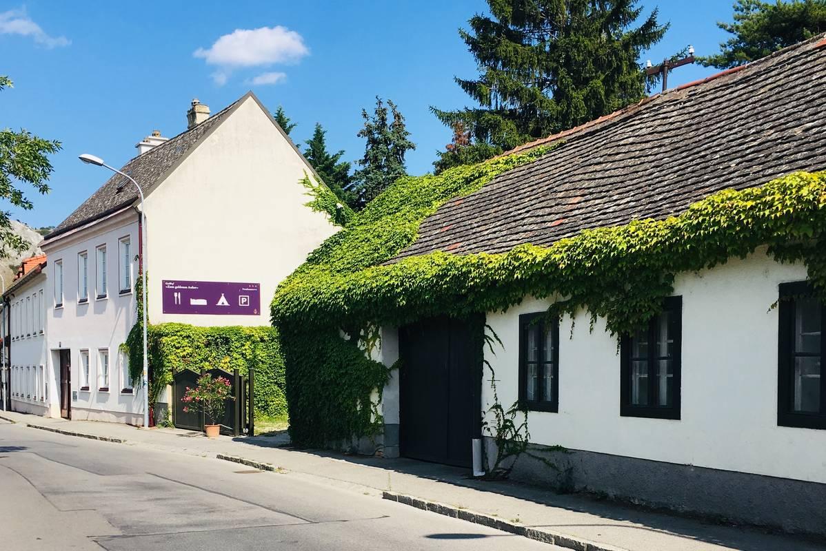 """Hotel-Restaurant """"Zum goldenen Anker"""" - Dependance Parkplatz & Fahrradhaus"""