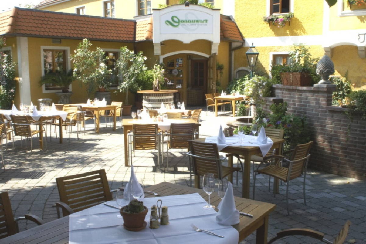 DONAUWIRT Hotel - Restaurant