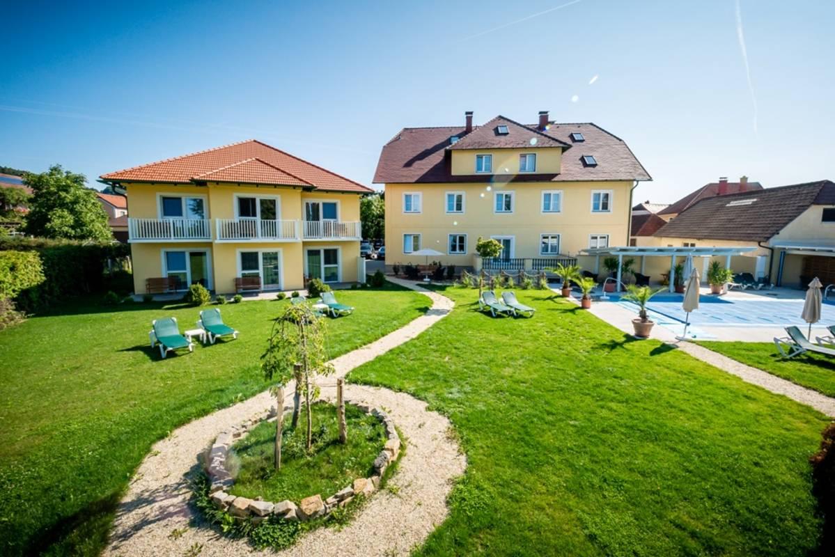 Gartenanlage Dorfhotel Grüner Baum