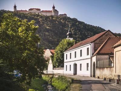 Furth im Hintergrund Stift Göttweig