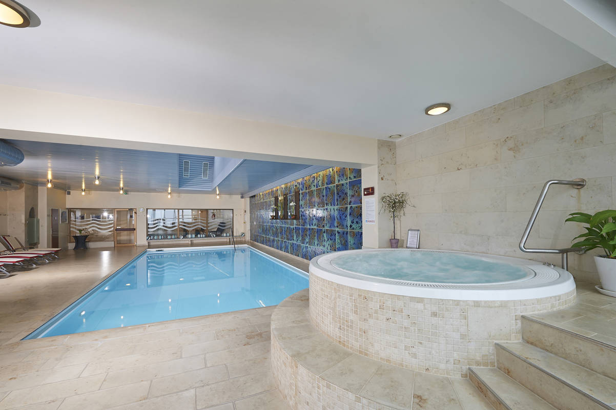 Penthouse Hallenbad & Whirlpool
