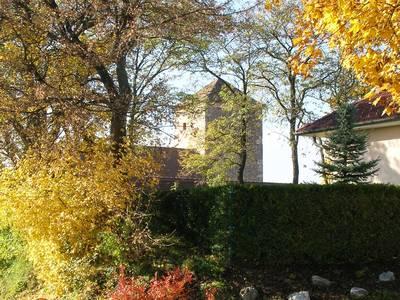 Wehrturm im Herbst