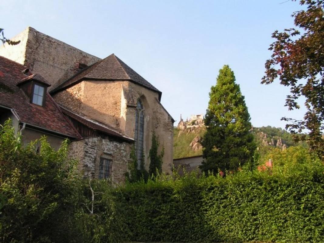 Ehemalige Clarissenkirche und die Ruine von Dürnstein