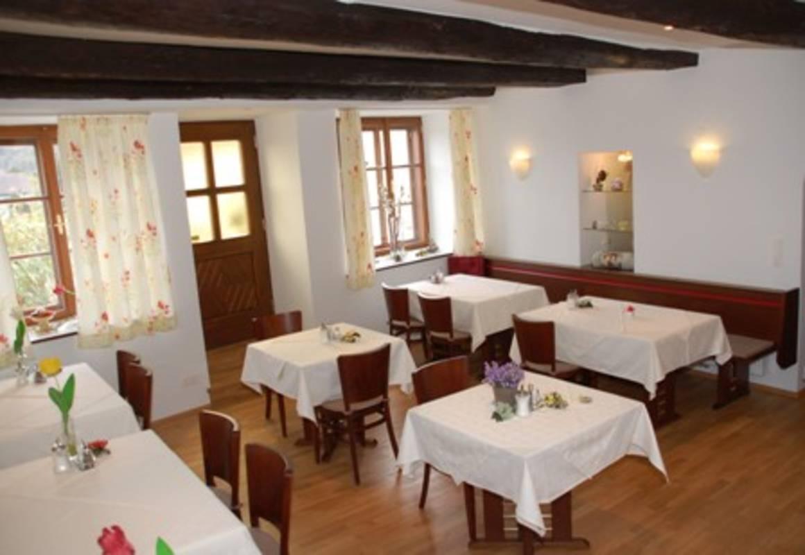 Frühstücksraum im Gästehaus Heller
