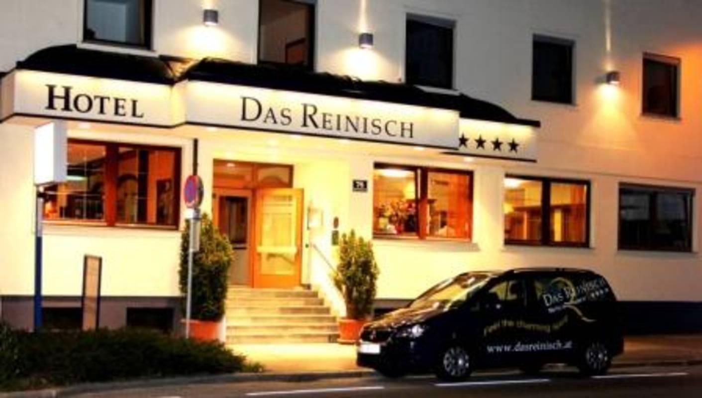 Eingang Hotel DAS REINISCH