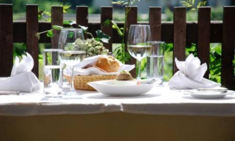 Tisch Gastgarten
