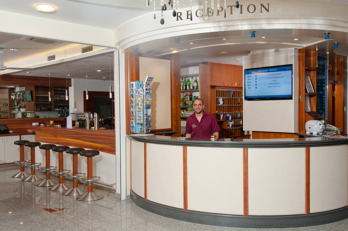 Reception City Hotel