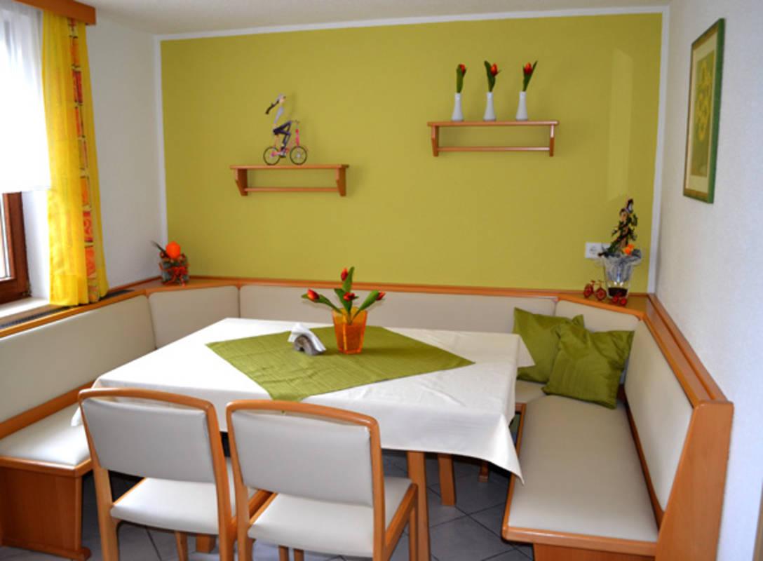 Sitzecke im Frühstücksraum