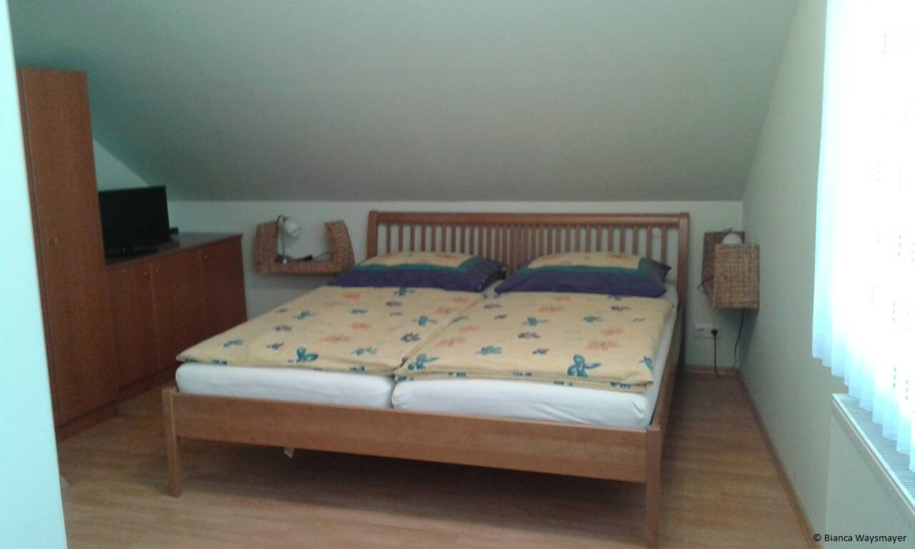Dreibettzimmer (Doppelbett) bei Fam. Waysmayer