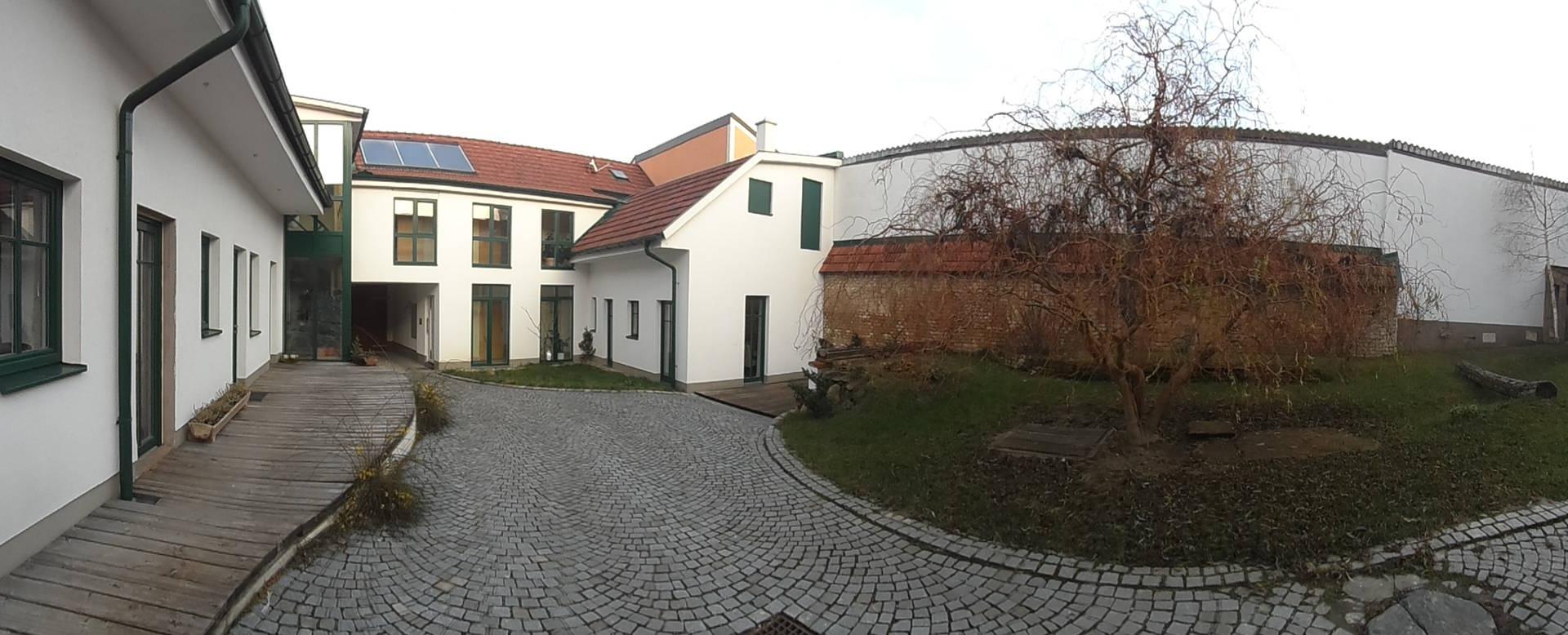 Innenhof Gästehaus Lösshof