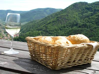 Wein mit Wachauer Laberl