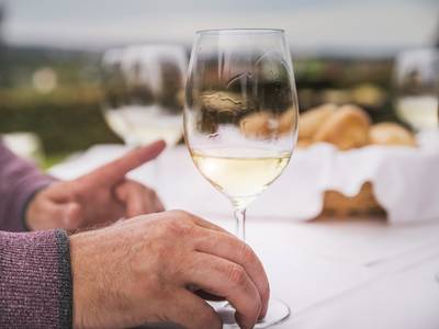 Weingenuss beim Heurigen