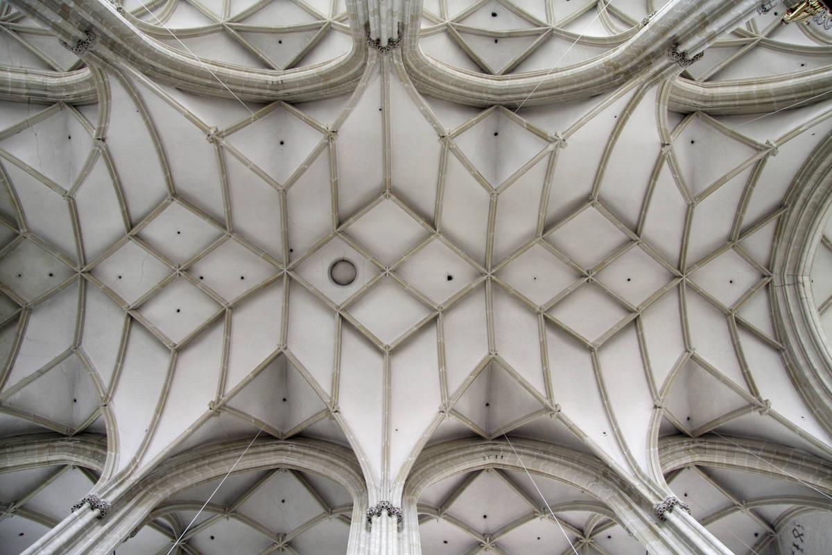 Gewoelbe der Piaristenkirche