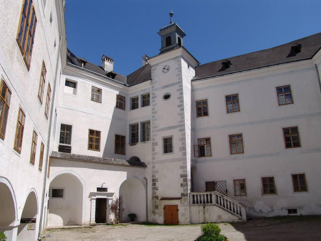 Innenhof Schloss Leiben