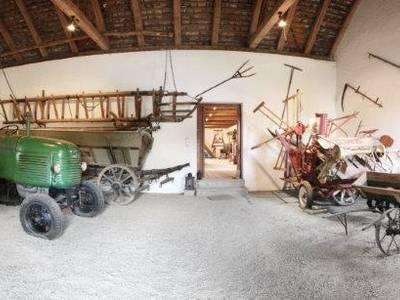 Landwirtschafts-Museum & Oldtimerausstellung Familie Jüly