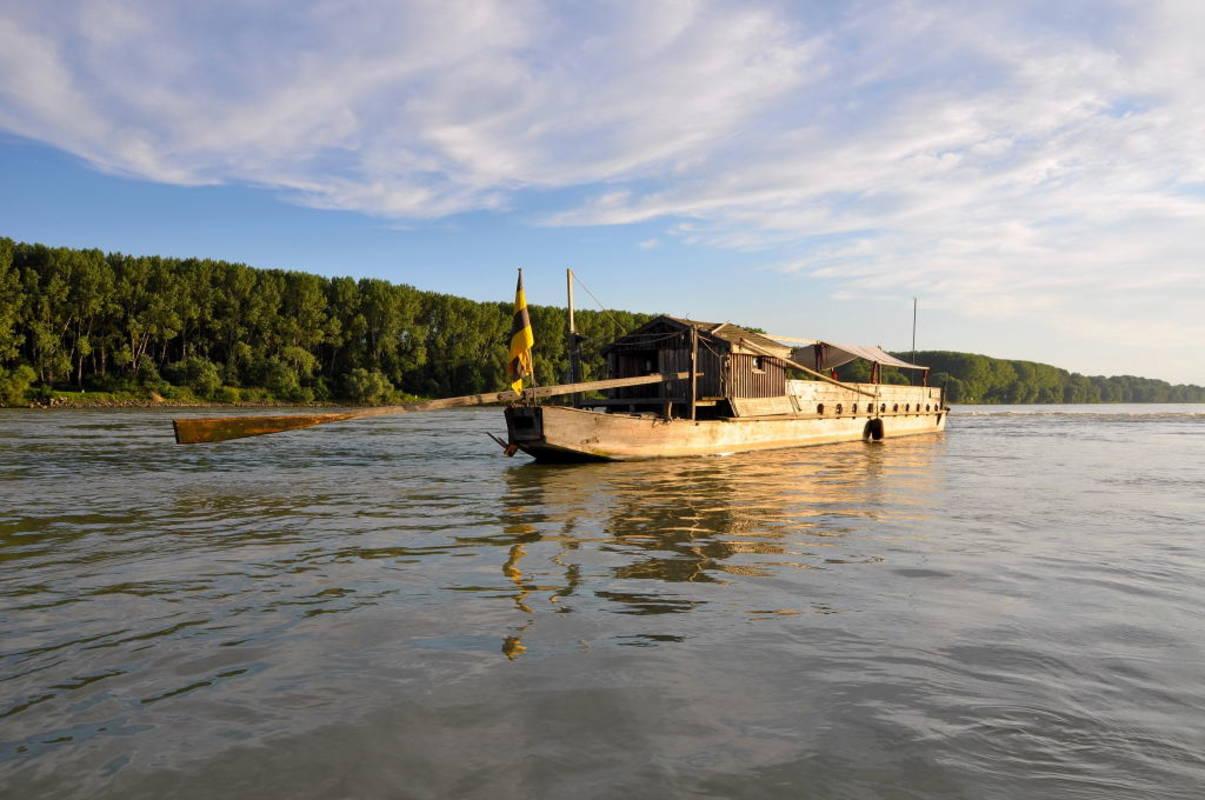 Tschaike-Historisches Donauschiff