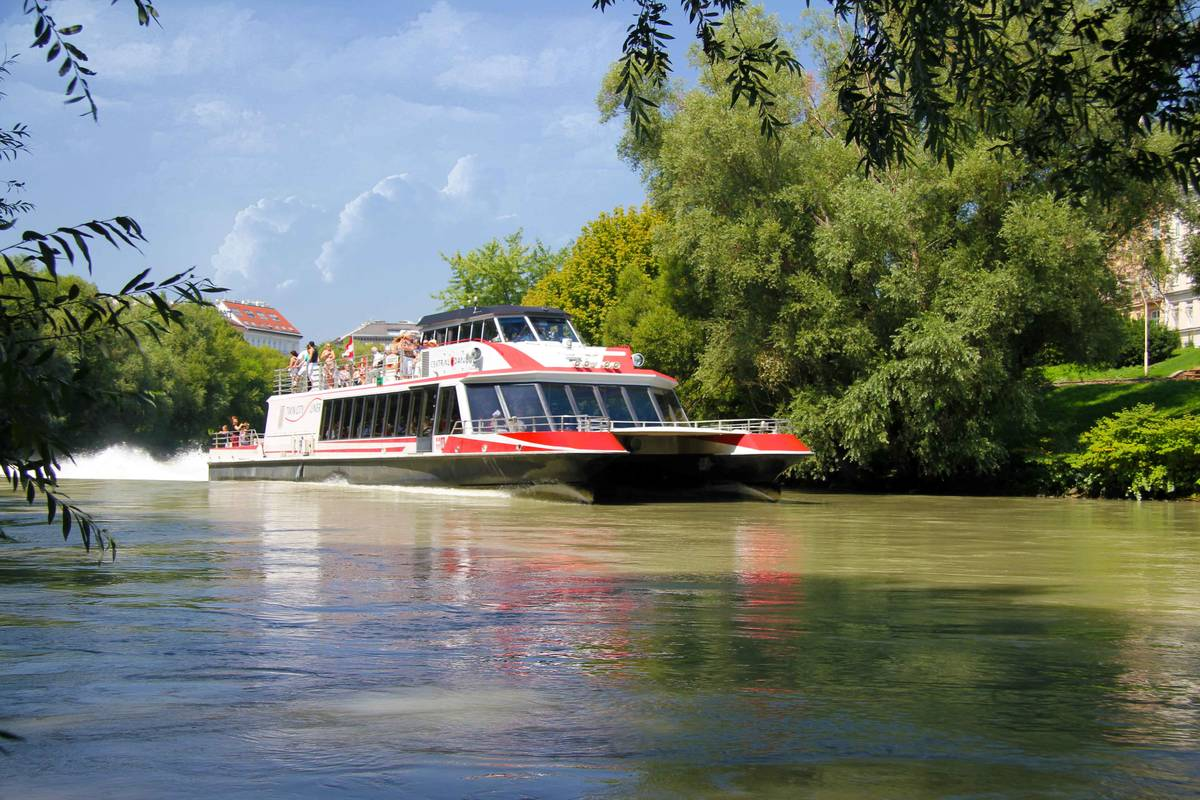 Twin City Liner Donaukanal © Twin City Liner