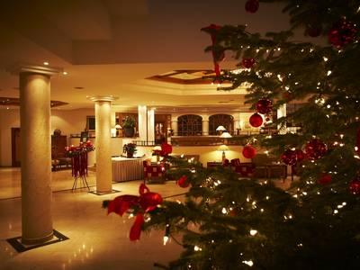 Lobbybar zu Weihnachten im Hotel Steigenberger Krems
