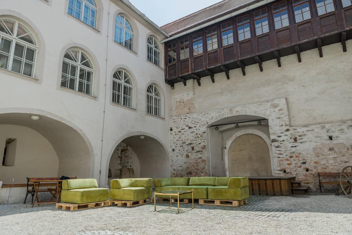 WeinArtZone, Schloss Traismauer